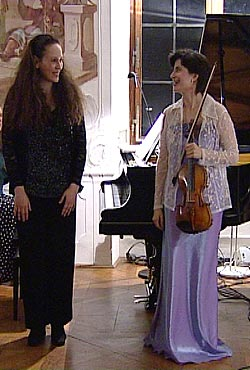 Ariadne and Miri, Leitheim, 2001